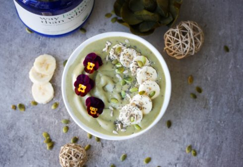 Vanilla Matcha Smoothie Bowl